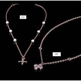 Collana con croce e perle